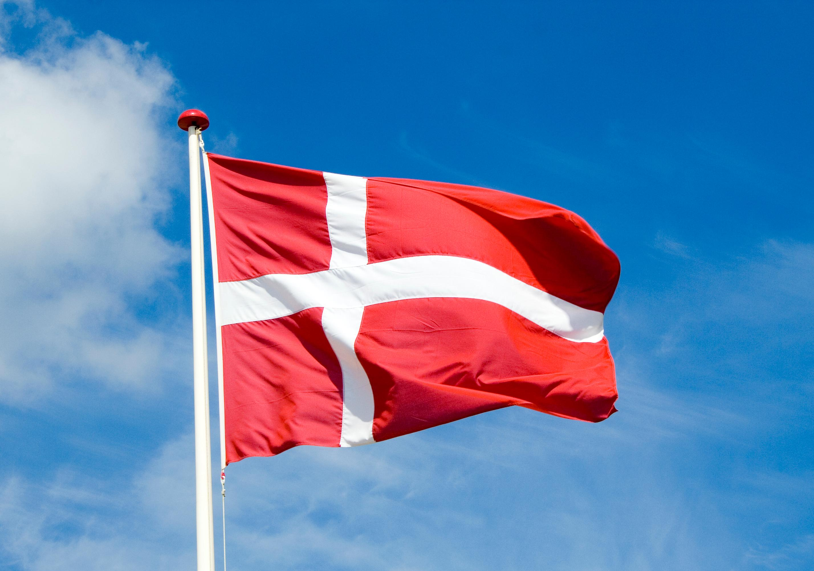 praca-dania-flaga